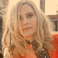 Avatar for the related artist Aimee Mann