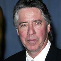 Image of Alan Silvestri linking to their artist page due to link from them being at the top of the main table on this page