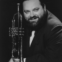 Image of Al Hirt linking to their artist page due to link from them being at the top of the main table on this page