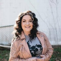 Avatar for the related artist Ashley McBryde