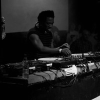 Image of Benga linking to their artist page due to link from them being at the top of the main table on this page