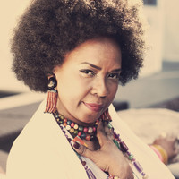 Image of Betty Wright linking to their artist page due to link from them being at the top of the main table on this page