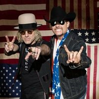 Image of Big & Rich linking to their artist page due to link from them being at the top of the main table on this page