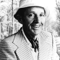 Image of Bing Crosby linking to their artist page due to link from them being at the top of the main table on this page