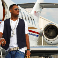 Image of Bobby V. linking to their artist page due to link from them being at the top of the main table on this page