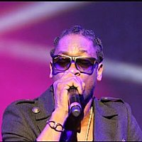 Image of Bounty Killer linking to their artist page due to link from them being at the top of the main table on this page
