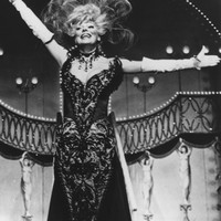 Image of Carol Channing linking to their artist page due to link from them being at the top of the main table on this page
