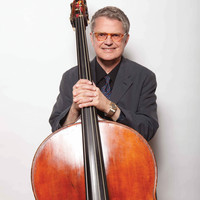 Image of Charlie Haden linking to their artist page due to link from them being at the top of the main table on this page