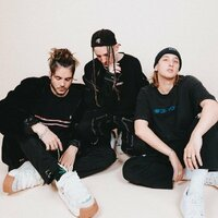 Image of Chase Atlantic linking to their artist page due to link from them being at the top of the main table on this page