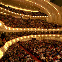 Image of Chicago Symphony Orchestra linking to their artist page due to link from them being at the top of the main table on this page