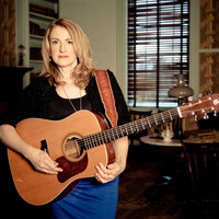 Avatar for the related artist Claire Lynch