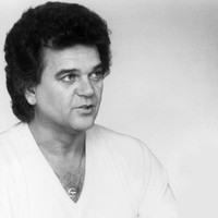 Image of Conway Twitty linking to their artist page due to link from them being at the top of the main table on this page