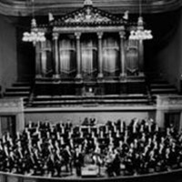 Image of Czech Philharmonic Orchestra linking to their artist page due to link from them being at the top of the main table on this page