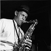 Image of Dexter Gordon linking to their artist page due to link from them being at the top of the main table on this page