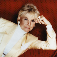 Image of Doris Day linking to their artist page due to link from them being at the top of the main table on this page