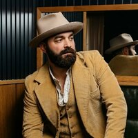 Avatar for the related artist Drew Holcomb and the Neighbors