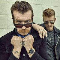 Image of Eagles of Death Metal linking to their artist page due to link from them being at the top of the main table on this page