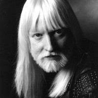 Image of Edgar Winter linking to their artist page due to link from them being at the top of the main table on this page