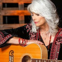 Image of Emmylou Harris linking to their artist page due to link from them being at the top of the main table on this page