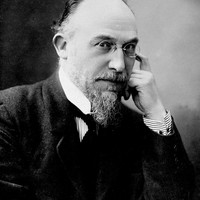Image of Erik Satie linking to their artist page due to link from them being at the top of the main table on this page