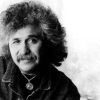 Image of Freddy Fender linking to their artist page due to link from them being at the top of the main table on this page
