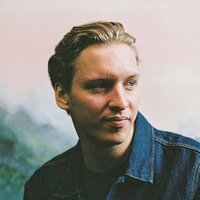 Avatar for the related artist George Ezra