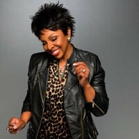 Image of Gladys Knight linking to their artist page due to link from them being at the top of the main table on this page