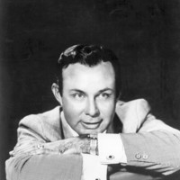 Image of Jim Reeves linking to their artist page due to link from them being at the top of the main table on this page