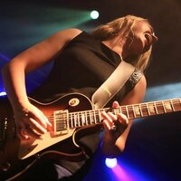 Avatar for the related artist Joanne Shaw Taylor