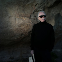 Image of John Carpenter linking to their artist page due to link from them being at the top of the main table on this page