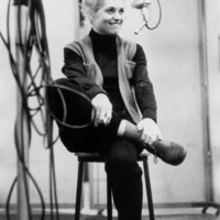 Avatar for the related artist Judy Holliday