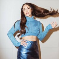 Image of Kacey Musgraves linking to their artist page due to link from them being at the top of the main table on this page