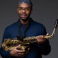 Image of Kenny Garrett linking to their artist page due to link from them being at the top of the main table on this page