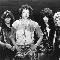 Image of Kevin Dubrow linking to their artist page due to link from them being at the top of the main table on this page