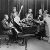 Image of Kid Ory linking to their artist page due to link from them being at the top of the main table on this page