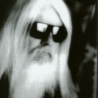 Image of Leon Russell linking to their artist page due to link from them being at the top of the main table on this page