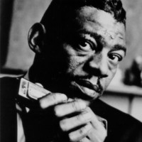 Image of Little Walter linking to their artist page due to link from them being at the top of the main table on this page