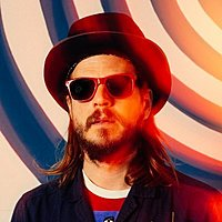Image of Marco Benevento linking to their artist page due to link from them being at the top of the main table on this page