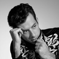 Image of Mark Ronson linking to their artist page due to link from them being at the top of the main table on this page