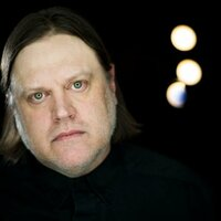 Image of Matthew Sweet linking to their artist page due to link from them being at the top of the main table on this page
