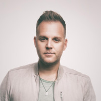 Avatar for the related artist Matthew West