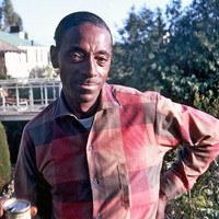 Image of Mississippi Fred McDowell linking to their artist page due to link from them being at the top of the main table on this page