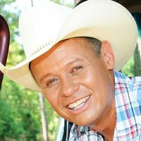 Image of Neal McCoy linking to their artist page due to link from them being at the top of the main table on this page