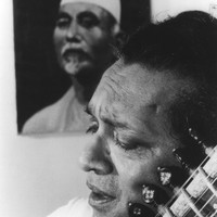 Image of Ravi Shankar linking to their artist page due to link from them being at the top of the main table on this page