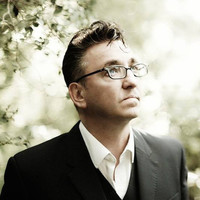 Avatar for the related artist Richard Hawley
