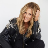 Image of Rita Wilson linking to their artist page due to link from them being at the top of the main table on this page