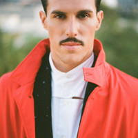 Image of Sam Sparro linking to their artist page due to link from them being at the top of the main table on this page