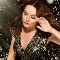 Image of Sarah Brightman linking to their artist page due to link from them being at the top of the main table on this page