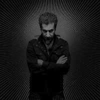 Image of Serj Tankian linking to their artist page due to link from them being at the top of the main table on this page