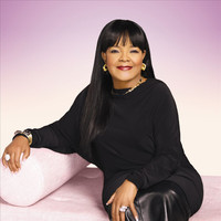 Image of Shirley Caesar linking to their artist page due to link from them being at the top of the main table on this page